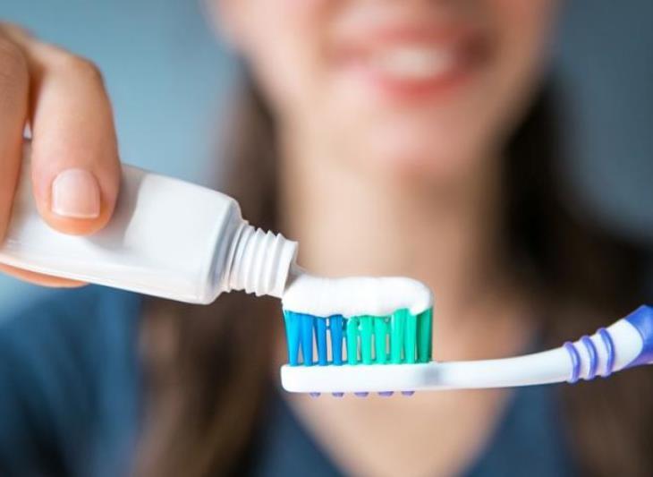 Το συχνό βούρτσισμα των δοντιών μέσα στη μέρα μειώνει τον κίνδυνο...