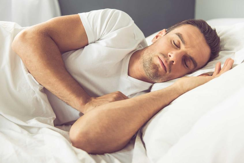 Ο μεσημεριανός υπνάκος ρίχνει την αρτηριακή πίεση σχεδόν όσο τα φάρμακα
