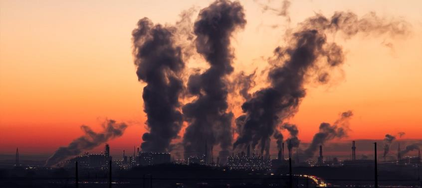 Η ρύπανση του αέρα μειώνει κατά 20 μήνες το προσδόκιμο ζωής των παιδιών που γεννιούνται