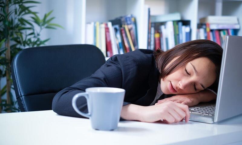 Πως επηρεάζει την παραγωγικότητα η έλλειψη ύπνου