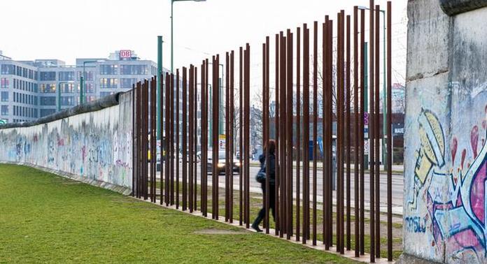 Η «ασθένεια των τειχών»: Τα συνοριακά τείχη μπορεί να υποσκάψουν την ψυχική υγεία των ανθρώπων