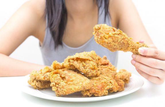 Πόσο επικίνδυνα είναι για τις γυναίκες τα τηγανητά φαγητά