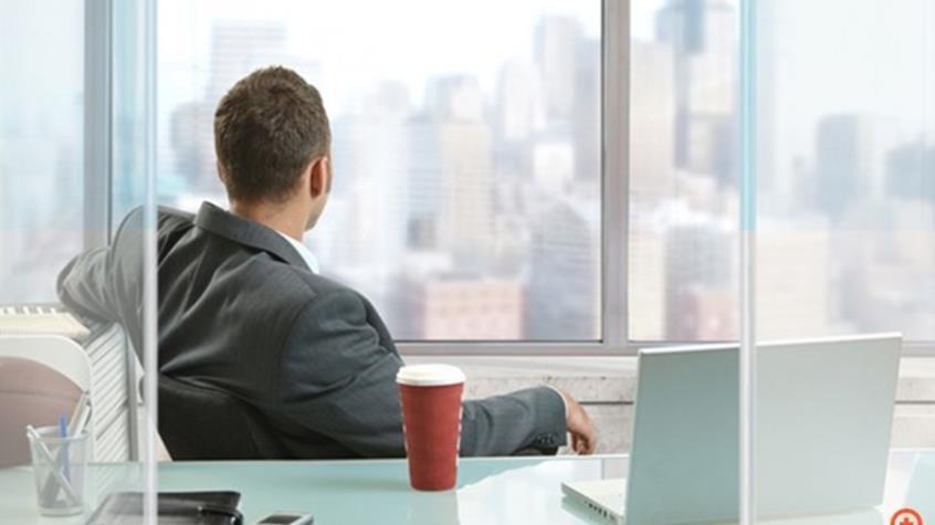 Εργάζεστε πάνω από 10 ώρες την ημέρα; Διατρέχετε πολύ σοβαρό κίνδυνο