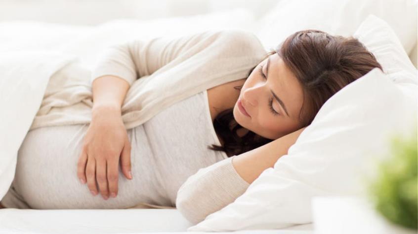 Έρευνα: Η παρατεταμένη διάρκεια της εγκυμοσύνης συνδέεται με αυξημένο κίνδυνο θνησιγένειας