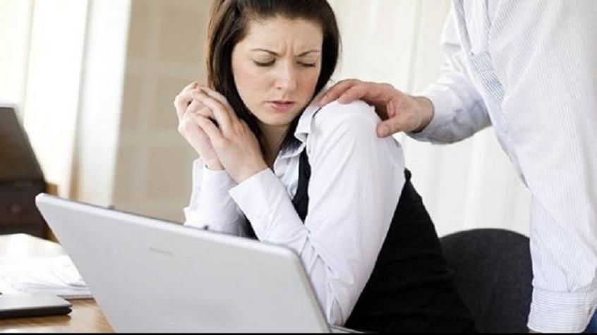 Οι Μισές Γυναίκες Υφίστανται Σεξουαλική Παρενόχληση στο Χώρο της Εργασίας τους!