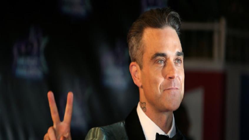 Ο Robbie Williams αποκάλυψε ότι πάσχει από σπάνια διαταραχή που τον ωθεί να τρώει στον ύπνο του