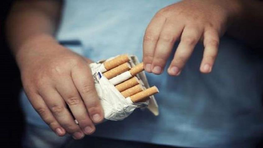 Υπ.Παιδείας: Θεωρείται ποινικό αδίκημα πλέον το κάπνισμα στα σχολεία.