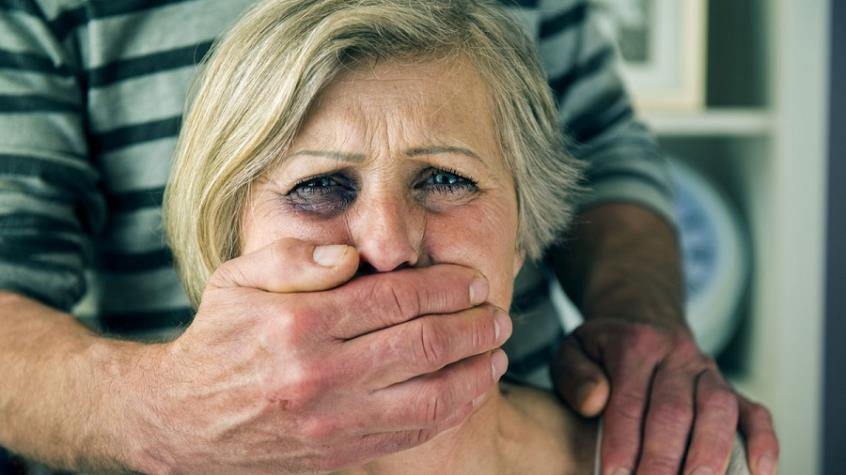 Κακοποίηση ηλικιωμένων:   Το  μαρτύριο (σκληρές εικόνες)