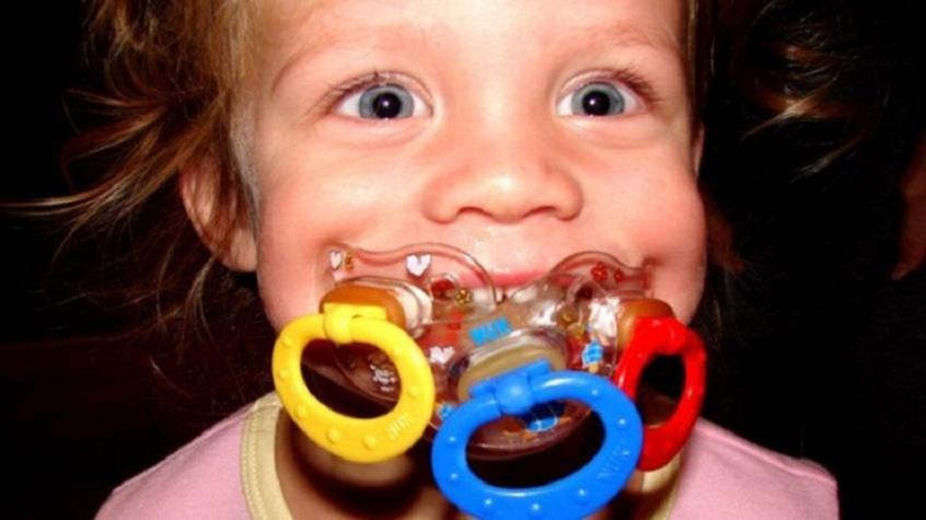 Μπορεί η πιπίλα να δημιουργήσει πρόβλημα στην ομιλία του παιδιού;