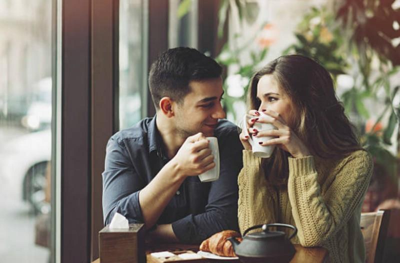 Έρευνα: τα Top-20 χαρακτηριστικά που ψάχνει μια γυναίκα για να κάνει σχέση