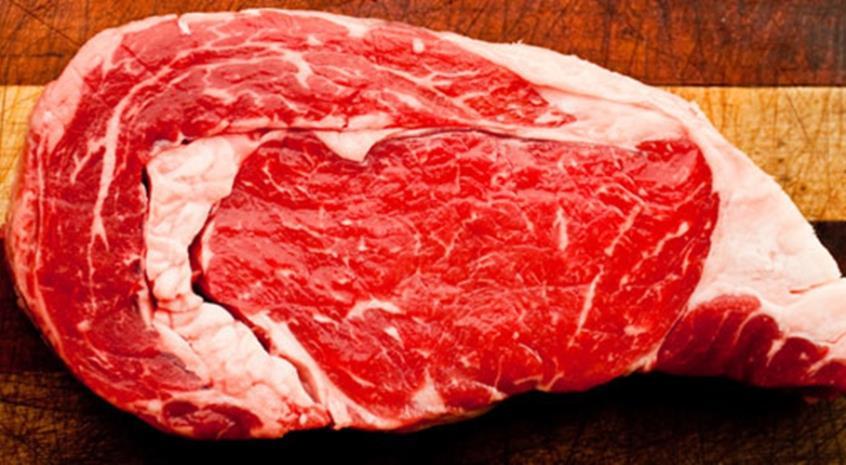 Κίνδυνος για σκύλους γάτες και τους ιδιοκτήτες τους η κατανάλωση ωμού κρέατος